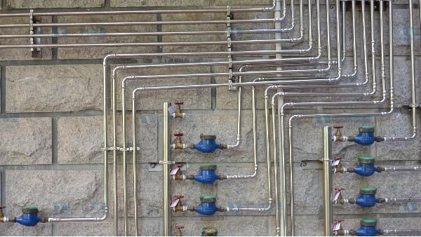 选用什么材质的水管才是安全可靠的?当然是304不锈钢水管!