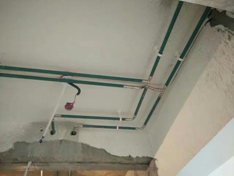 不锈钢水管走顶