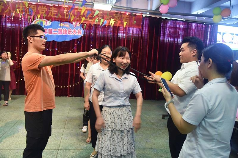 广州美亚 | 美好人生跟党走,快乐生活大家有!